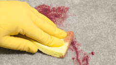 Cleaning a carpet with baking soda